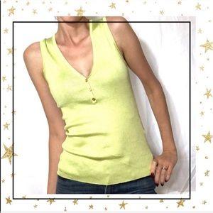 Express ribbed sleeveless v-neck knit top Lg (C4)